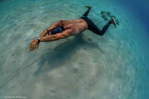 Carlos Coste Dynamic no fins training in shallow water
